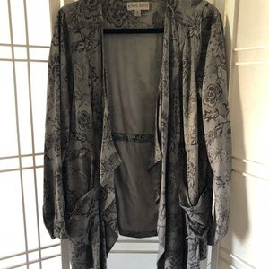 🌷Gray floral waterfall front jacket. Size M.